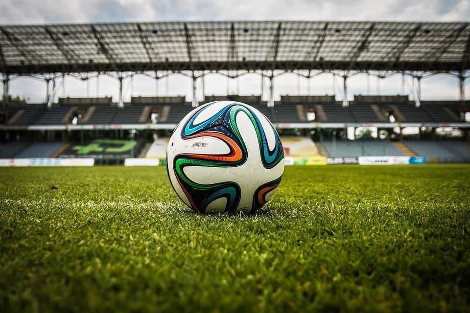 В Западном Дегунине возобновились занятия по футболу для пенсионеров